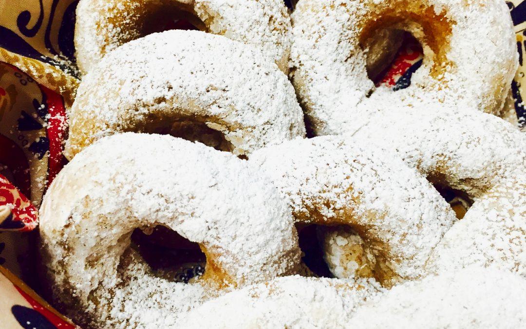 Friday Four 121517: Whats for Breakfast? Yummy Cinnamon Doughnuts