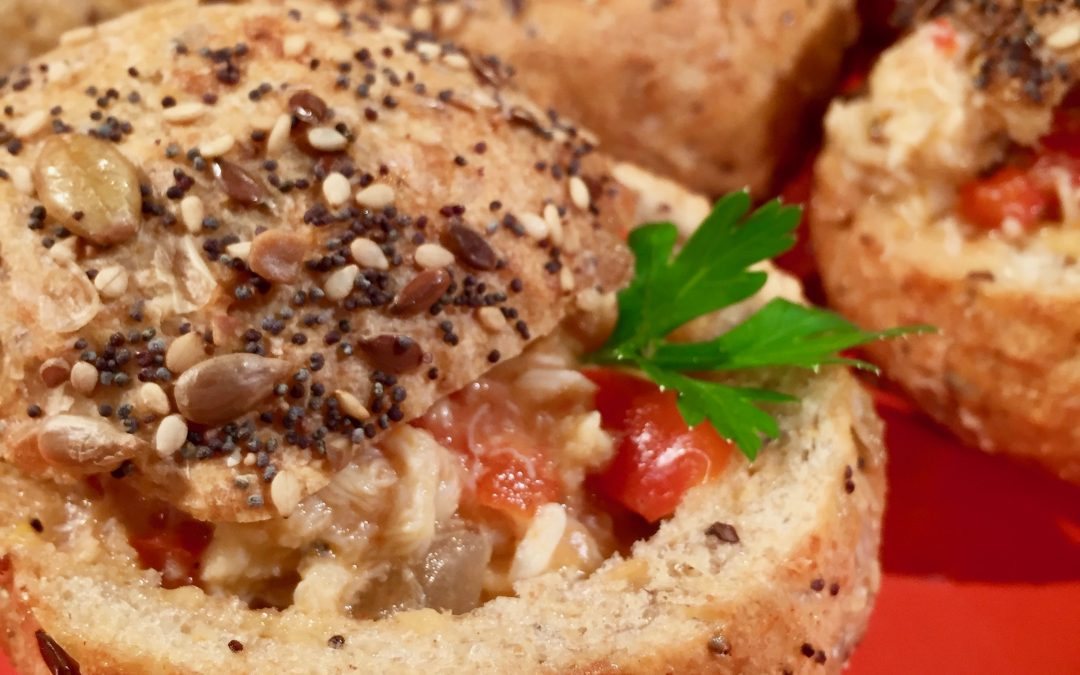 Spicy Tuesday – Creamy Crab Bisque Stuffed in Bread Bowls – Oregano