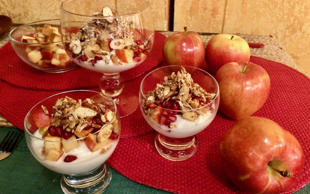 Spicy Tuesday – Crunchy Pomegranate Apple Breakfast Bowl – Ginger